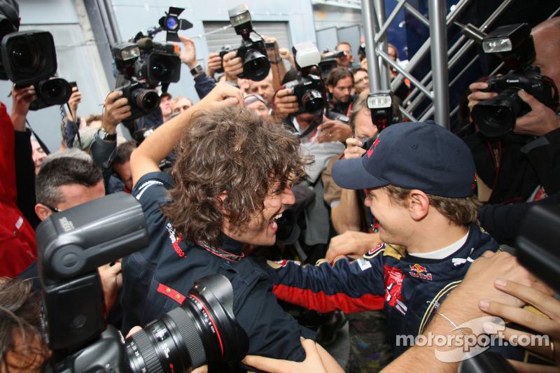 Toro Rosso bejubelt Sebastian Vettel