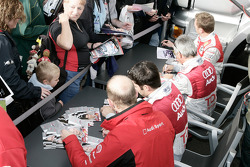 Autograph session: Allan McNish, Rinaldo Capello, Mike Rockenfeller and Alexandre Prémat