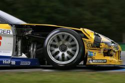 #6 Phoenix Racing Corvette Z06: Mike Hezemans, Fabrizio Gollin with damage