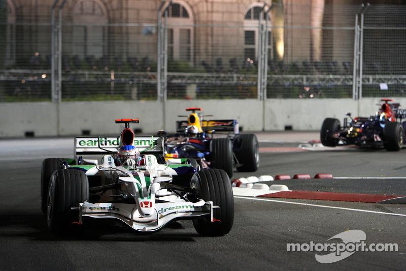 Jenson Button, Honda Racing F1 Team leas David Coulthard, Red Bull Racing