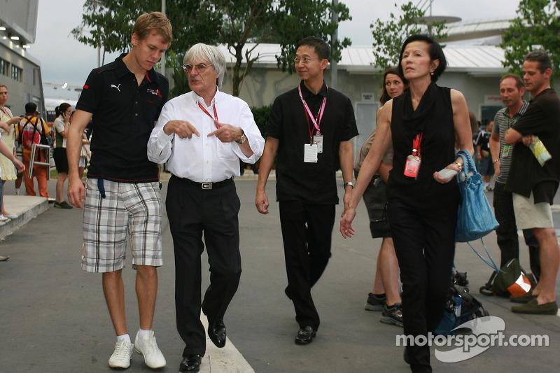 Sebastian Vettel, Scuderia Toro Rosso; Bernie Ecclestone, Formel-1-Boss
