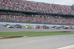 Pace lap: Travis Kvapil and Casey Mears lead the field