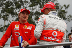 Kimi Raikkonen, Scuderia Ferrari et Heikki Kovalainen, McLaren Mercedes