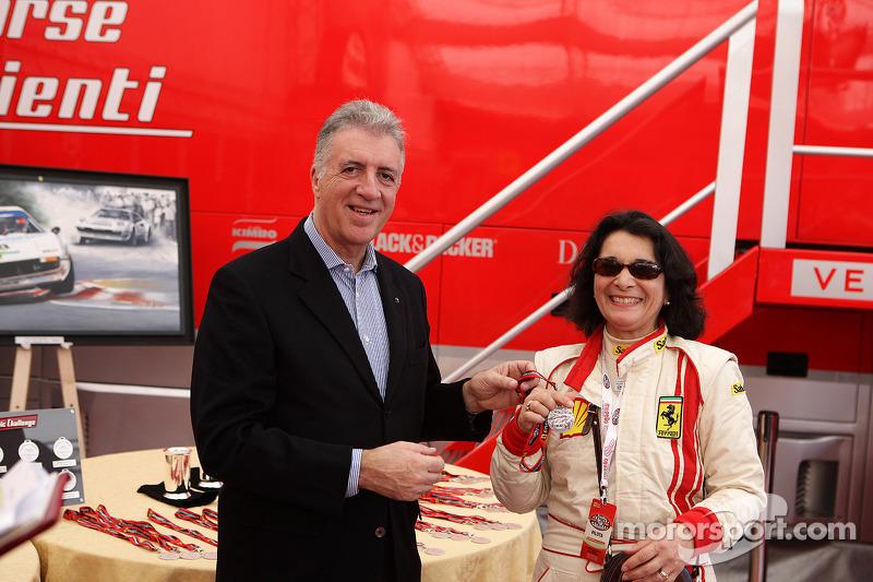 Sunday: Piero Ferrari ve Julia De Baldanza