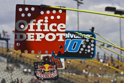 Office Depot pit sign