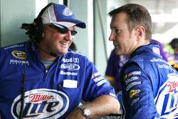 Kurt Busch talks with crew chief Pat Tryson