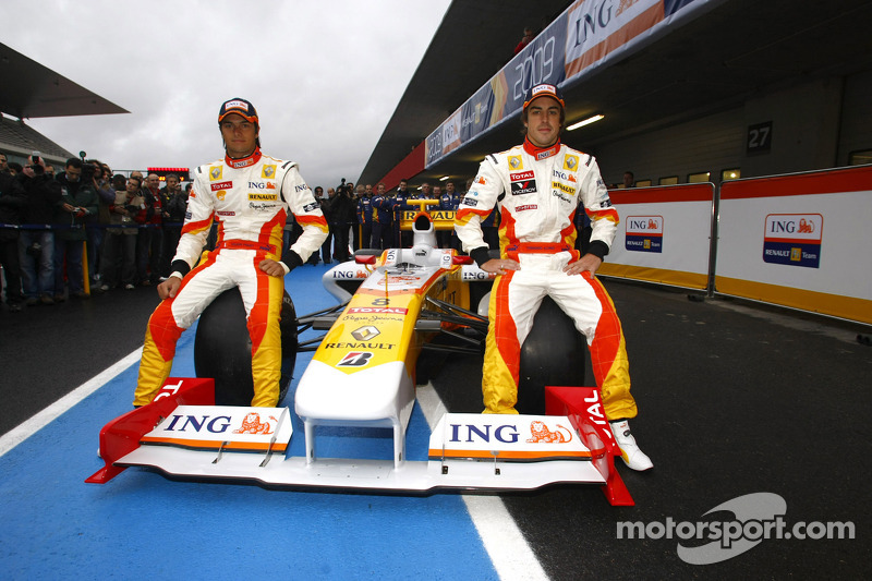 Fernando Alonso ve Nelson A. Piquet ve yeni Renault R29