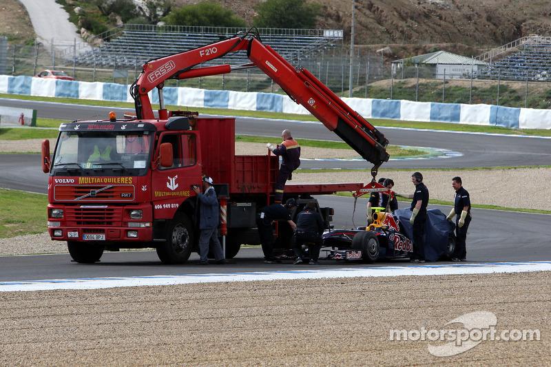 Sebastian Vettel stops on circuit in the new Red Bull RB5