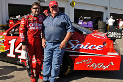 Tony Stewart, Stewart-Haas Racing Chevrolet, and racing legend Foyt pose with the #14 Stewart-Haas Racing Chevrolet