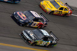 Carl Edwards, Roush Fenway Racing Ford, Brian Vickers, Red Bull Racing Team Toyota