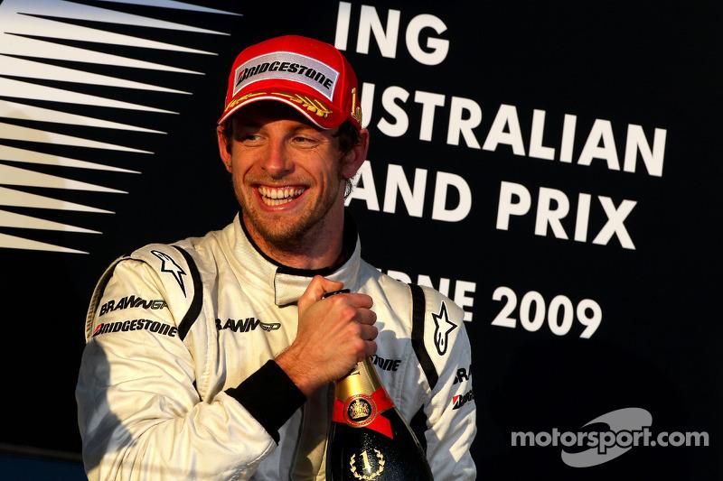 Podio: el ganador de la carrera Jenson Button, Brawn GP