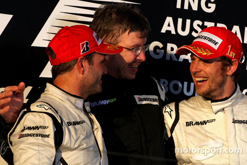 1. Jenson Button, Brawn GP, und 2. Rubens Barrichello, Brawn GP, mit Ross Brawn, Brawn GP, Teamchef