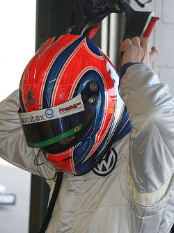 Adriano Buzaid and his HANS device