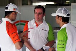 Vitantonio Liuzzi Force India F1 Third Driver with Jody Eggington Force India F1 Race Engineer and Giancarlo Fisichella Force India F1