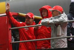 Felipe Massa, Scuderia Ferrari, Kimi Raikkonen, Scuderia Ferrari and Heikki Kovalainen, McLaren Mercedes