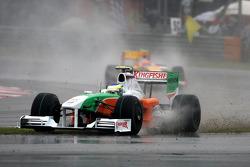 Giancarlo Fisichella, Force India F1 Team runs off the road
