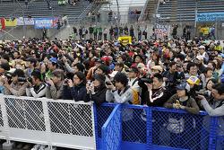 Fans during pitwalk