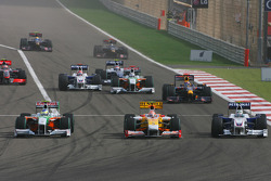 Start: Adrian Sutil, Force India F1 Team Nelson A. Piquet, Renault F1 Team and Nick Heidfeld, BMW Sauber F1 Team