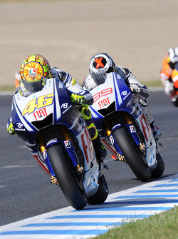 Valentino Rossi, Fiat Yamaha Team and Jorge Lorenzo, Fiat Yamaha Team battle