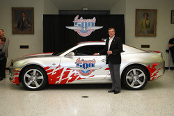 2009 Indianapolis 500 2010 Chevrolet Camaro pace car presentation: Johnny Rutherford poses with the Chevrolet Camaro pace car