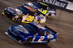 Kurt Busch, Penske Racing Dodge, David Reutimann, Michael Waltrip Racing Toyota, Jimmie Johnson, Hendrick Motorsports Chevrolet
