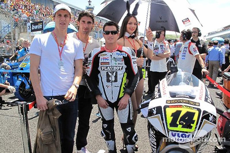 Randy De Puniet, LCR Honda MotoGP y su encantadora chica de paraguas