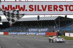#14 K plus K Motorsport Saleen S7R: Karl Wendlinger, Ryan Sharp takes the checkered flag