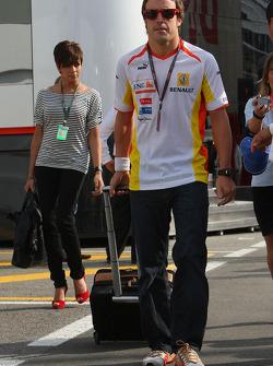 Fernando Alonso, Renault F1 Team with his wife Raquel Rosario