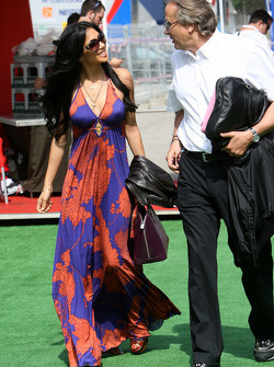 Nicole Scherzinger, Singer in the Pussycat Dolls and girlfriend of Lewis Hamilton, McLaren Mercedes, Mansour Ojeh, Commercial Director of the TAG McLaren