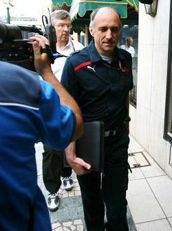 Franz Tost, teambaas Scuderia Toro Rosso met Bernie Ecclestone en Max Mosley