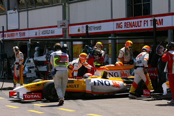 Nelson A. Piquet, Renault F1 Team retiring from the race