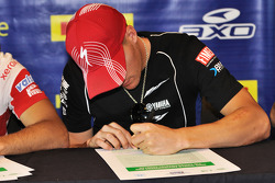 Ben Spies signs the FIM Environmental Charter
