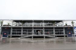 Le nouveau motorhome de Red Bull Racing et de la Scuderia Toro Rosso