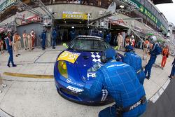 #99 JMB Racing Ferrari F430 GT: Christophe Bouchut, Manuel Rodrigues, Yvan Lebon pushed inside the garage