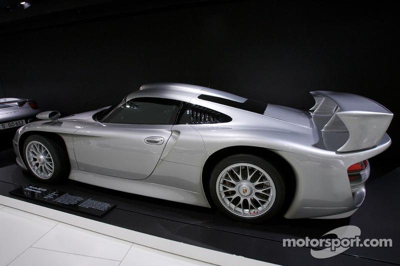 1997 Porsche 911 GT1 Strassenversion