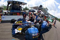 Pit stop for #66 de Ferran Motorsports Acura ARX-02a Acura: Gil de Ferran, Simon Pagenaud