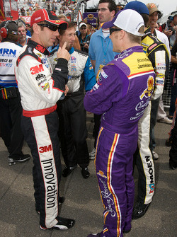 Greg Biffle, Roush Fenway Racing Ford, John Andretti, Earnhardt Ganassi Racing Chevrolet and Jamie McMurray, Roush Fenway Racing Ford