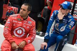 Juan Pablo Montoya, Earnhardt Ganassi Racing Chevrolet and Kurt Busch, Penske Racing Dodge