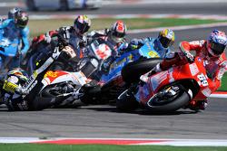 Choque de Colin Edwards, Monster Yamaha Tech 3, Alex De Angelis, San Carlo Honda Gresini, Nicky Hayden, Ducati Marlboro Team