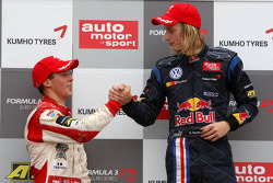 Podium, Alexander Sims, Mücke Motorsport, Dallara F308 Mercedes, Brendon Hartley, Carlin Motorsport, Dallara F308 Volkswagen