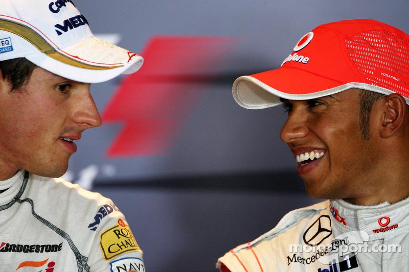 Conferencia de prensa de la FIA: Ganador de la pole Lewis Hamilton, McLaren Mercedes segundo puesto Adrian Sutil, Force India F1 Team