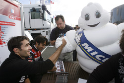 Autograph session: Franck Mailleux and Pierre Ragues with Bibendum