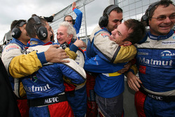 Nicolas Lapierre, Hugues de Chaunac and Team Oreca team members celebrate win
