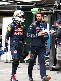 Даниэль Риккардо, Red Bull Racing и Сэм Виладж, пресональный тренер Red Bull Racing