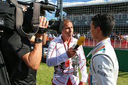 Паскаль Верляйн, Manor Racing withи Кай Эбель, ведущий RTL TV на стартовой решетке