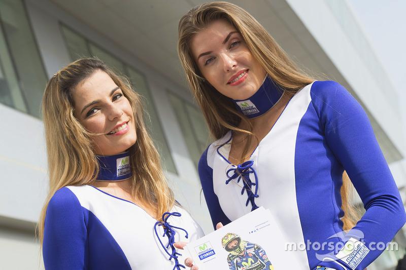 Hermosas chicas de la parrilla