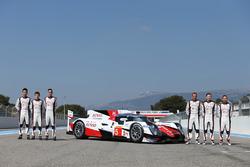 #5 Toyota Racing, Toyota TS050 Hybrid: Anthony Davidson, Sébastien Buemi, Kazuki Nakajima, Mike Conway, Stephane Sarrazin and Kamui Kobayashi
