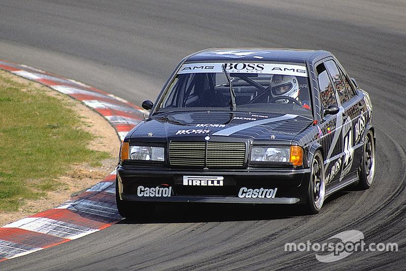 Среди гонщиков концерна было множество известных имен. В том числе и Джонни Чекотто, близко подобравшийся к титулу в 1990 и 1991 годах