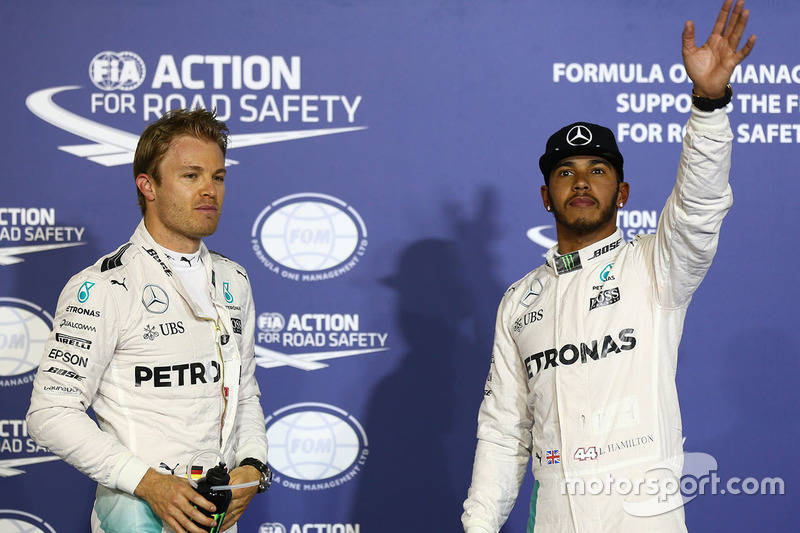 Ganador de la pole Lewis Hamilton, Mercedes AMG F1 Team, segundo lugar Nico Rosberg, Mercedes AMG F1 Team