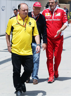 Frederic Vasseur, Renault Sport F1 Team Racing Director with Niki Lauda, Mercedes Non-Executive Chairman and Maurizio Arrivabene, Ferrari Team Principal